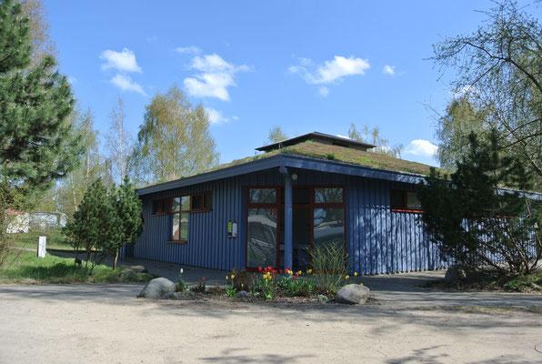 Eines der beiden großen Sanitärhauser | © www.zweiseen.de/sanitaeranlagen