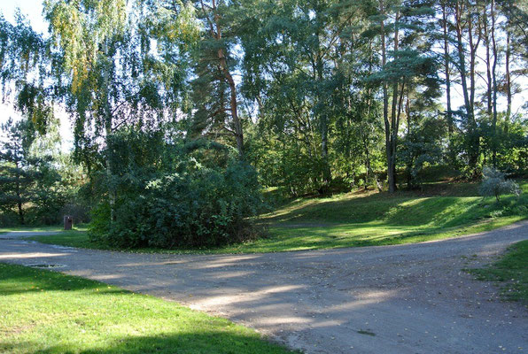 Plätze 102 und 103, zwei Etagen darüber liegen 104 und 105 © Naturcamping Zwei Seen am Plauer See/MV - www.zweiseen.de