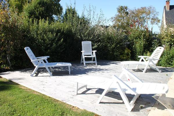 La piscine a la chevalerie en Anjou, élément indissociable des roulottes et du gite
