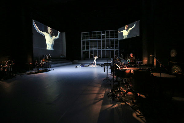 GROOVIN BODIES // Oper Halle // 2016/17 // Choreografie: Ralf Rossa