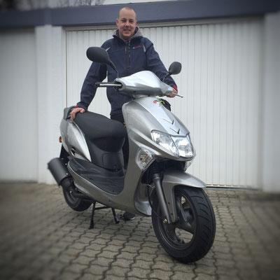 16.02.2016: Benjamin Währer aus Weil am Rhein mit seinem neuen KYMCO Vitality 50 2T