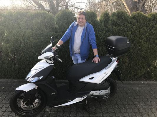 23.03.17: Joachim Moll aus Weil am Rhein mit seinem neuen Kymco Agility City 125