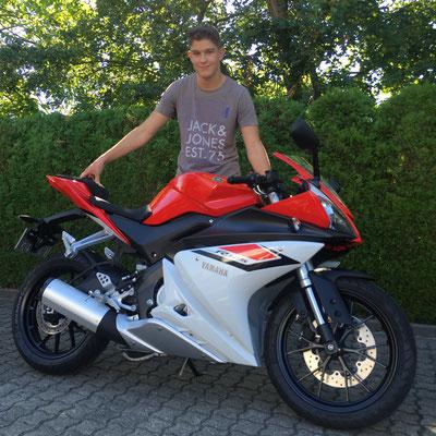 25.08.2016: Fabian Scheeg aus Grenzach-Wyhlen mit seiner neuen YAMAHA YZF-R 125