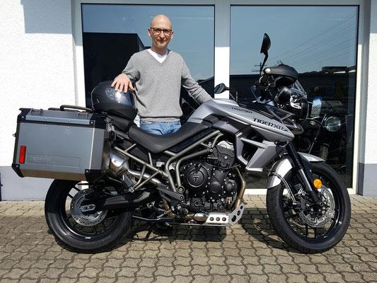 17.03.17: Markus Ziegler aus Waldshut-Tiengen mit seiner neuen TRIUMPH Tiger 800 XRx