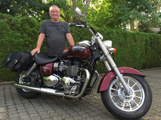 14.07.2016: Heinz Kopp aus Schliengen mit seiner neuen TRIUMPH America