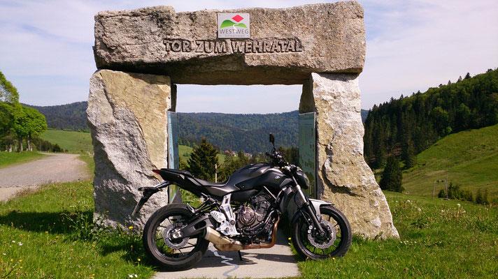 Unterwegs /  Motorrad-Center Dreispitz  -  Motorräder, Roller, Vermietung (Copyright: U.W.)