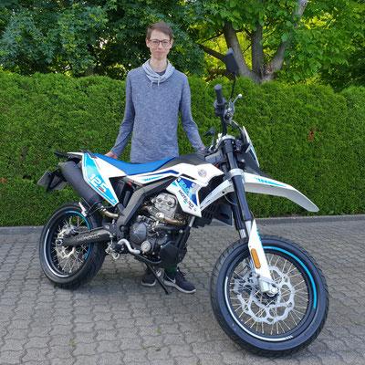 22.05.2018: Herr Zetl aus Kleinkems mit seiner neuen MONDIAL SMX 125i Supermoto
