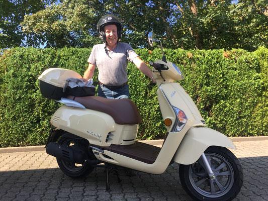 06.09.2016: Ulrich Fischer aus Binzen mit seinem neuen KYMCO Like 50