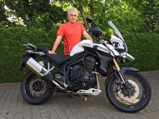 26.06.2015: Thomas Winkler aus Binzen mit seiner neuen TRIUMPH Tiger Explorer XC ABS