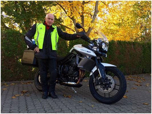 27.10.2015: Gerd Walter aus Lörrach mit seiner neuen TRIUMPH Tiger 800 XRT ABS