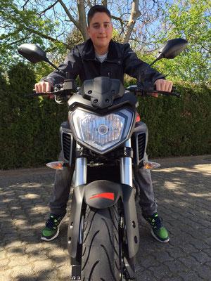 24.04.2015: Herr Lang aus Efringen-Kirchen mit seiner neuen YAMAHA MT-125 ABS
