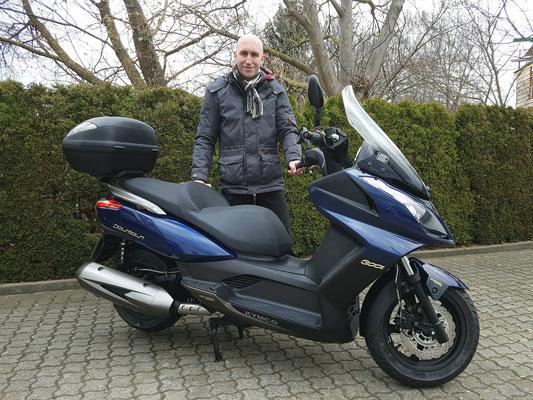24.02.17: Thomas Heinzelmann aus Rheinfelden mit seinem neuen KYMCO Downtown 300i ABS