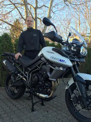 19.11.2015: Rainer Trefzer aus Wehr mit seiner neuen TRIUMPH Tiger 800 XRx