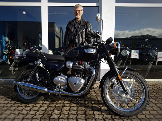 02.03.17: Markus Glünkin aus Weil am Rhein mit seiner neuen TRIUMPH Bonneville T100