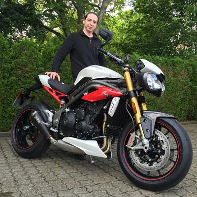 03.06.2016: Alejandre Lafont aus Lörrach mit seiner neuen TRIUMPH Speed Triple 1050 R ABS