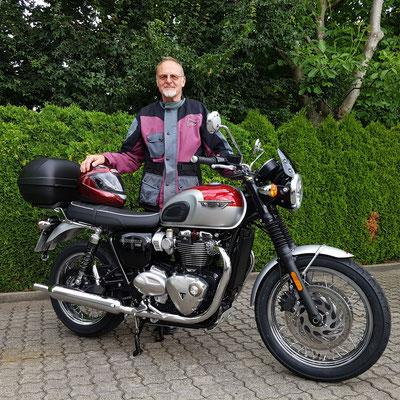 29.06.2017: Rolf Hässle aus Rheinfelden mit seiner neuen TRIUMPH Bonneville T120