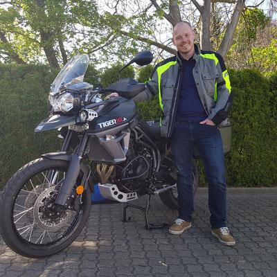 13.04.17: Sven Eichmann aus Holzhausen mit seiner neuen TRIUMPH Tiger 800 XCA