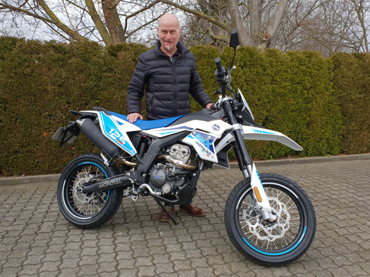 09.03.2018: Roland Hagist aus Fischingen mit deiner neuen Mondial SMX125i