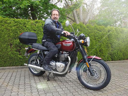 15.05.2017: Ladislaus Hohner aus Huttingen mit seiner neuen TRIUMPH Bonneville T120