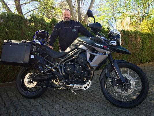 19.04.2016: Stephan Geillinger aus Laufenburg mit seiner neuen TRIUMPH Tiger 800 XCA