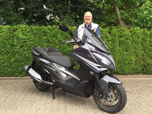 18.06.2015: Volker Hätty aus Weil am Rhein mit seinem neuen KYMCO Xciting 400i ABS