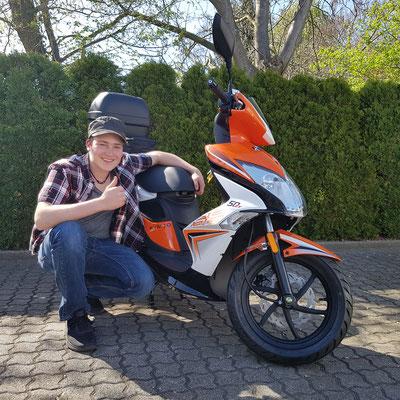 07.04.17: Richard Brendlin aus Schopfheim mit seinem neuen KYMCO Super 8 50