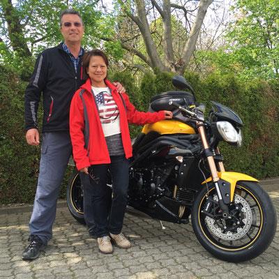 04.05.2016: Ulrich Brunner aus Zell i.W. mit seiner neuen TRIUMPH Speed Triple 1050 ABS