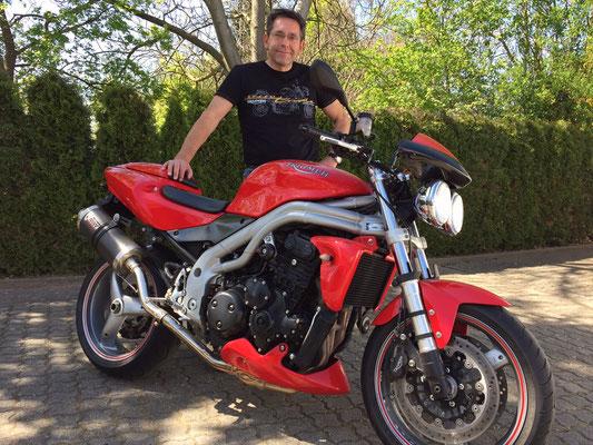 24.04.2015: Herbert Brunner aus Bernau mit seiner neuen TRIUMPHG Speed Triple