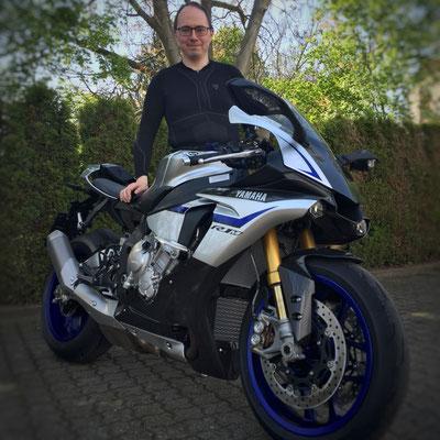 04.05.2016: Mario Perinetti aus Schopfheim mit seiner neuen YAMAHA YZF-R1 M