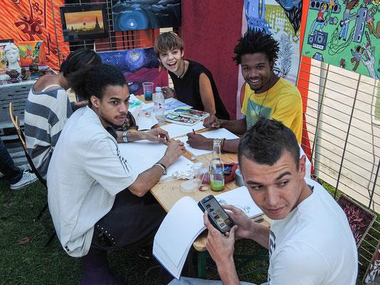 Mike (dessin et poésies), Léa (artiste polyvalente), Mathieu (gravure, peinture, dessin), Jimmy