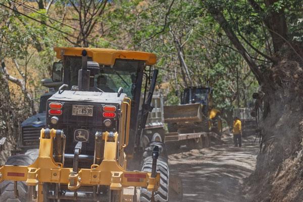 Baustelle auf offener Straße