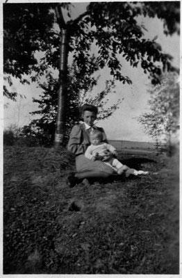 Glückliche Mutter 1942