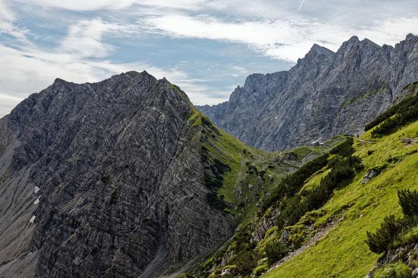 Blick zur Lamsenjochhütte