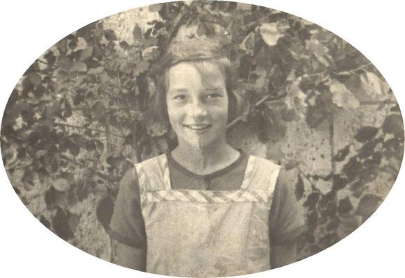 Ilse als Schulmädchen (1930?)