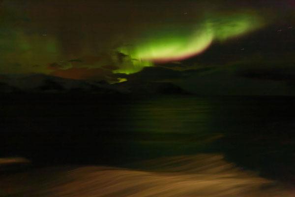 Polarlichter auf dem Meer