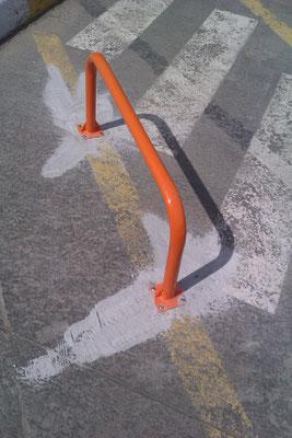 ограждения для парковок во дворе  с установкой