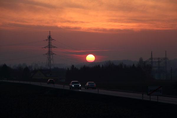 Sonnenuntergang bei Gegenverkehr, 4.3.2018