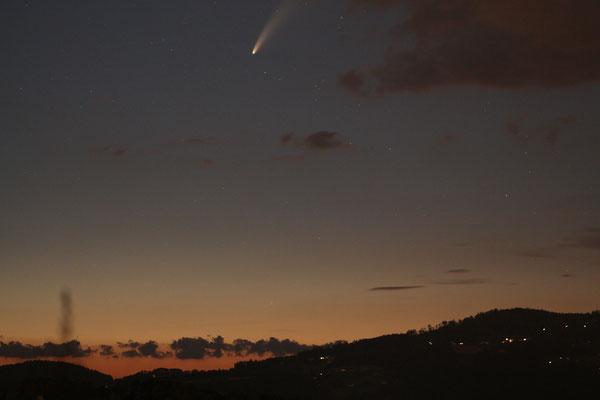 Zunächst wurde der Komet noch von Wolken verdeckt...
