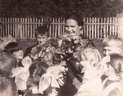 1977 год. 2 класс с Замедлиной Анной Васильевной