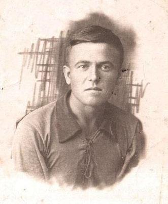 1939 год. Круглов Евгений Иванович во время учёбы в рабфаке