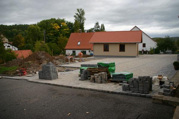 Pflasterung Vorplatz DGH 2