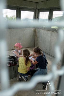 Ein Eintrag in das Gästebuch für Kinder im Turmraum.