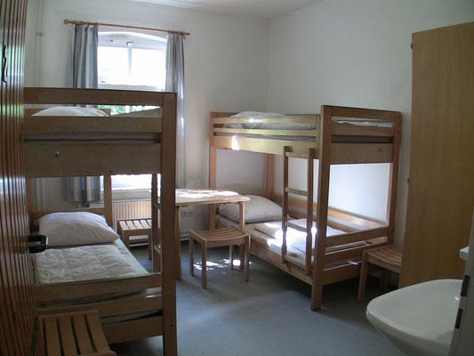 SH 4-Bett-Zimmer Erdgeschoß