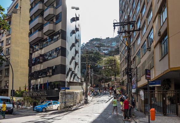 Es gibt nur drei Zugänge zur Favela Pavao