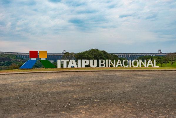 Itaipu wurde von Brasilien und Paraguai zusammen erstellt.