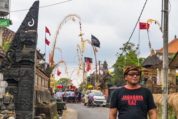 In Bali wird dauernd irgenwo ein Fest gefeiert.