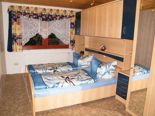 großes Schlafzimmer