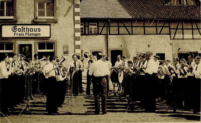 Platzkonzert in Blankenheimerdorf 1953