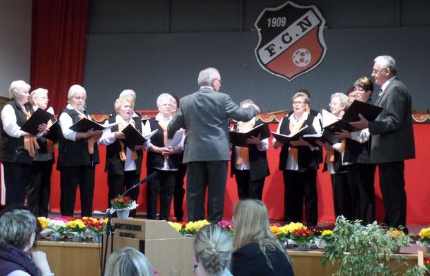 Der gemischete Landfrauenchor Odensachsen begrüßte die Frauen musikalisch