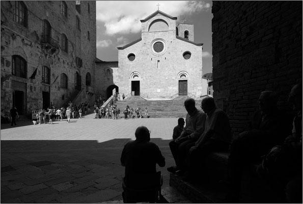 San Gimignano: piazza del Duomo - © Massimo Vespignani